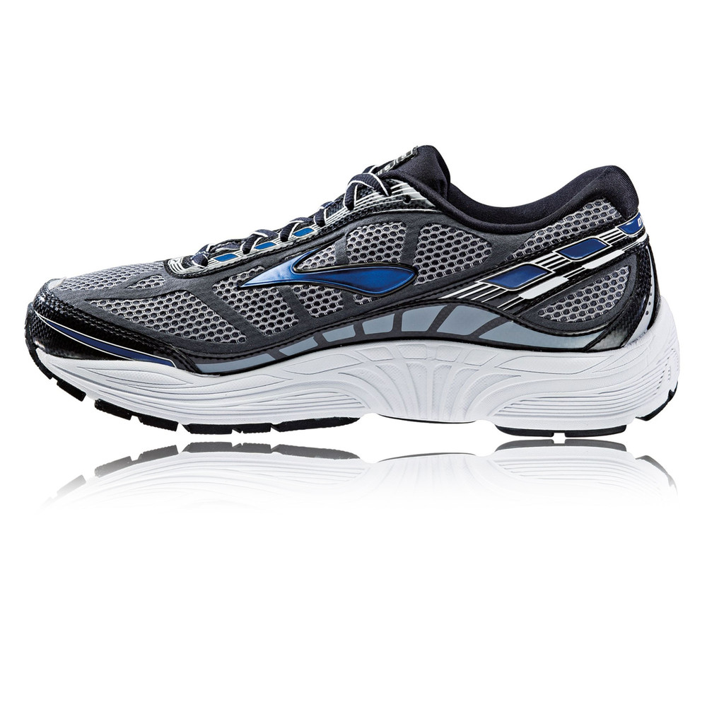 Brooks running shoes are specially designed, from sole to upper, with smart technologies for the perfect fit and best performance on every run. 3D hex lugs on the outsole provide maximum grip.