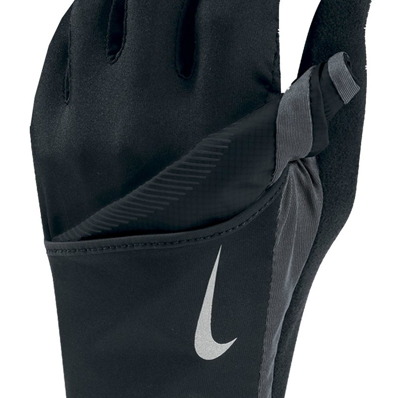 An updated version of our coveted running glove, this sleek three-season running glove works like a heater and air conditioner to keep your hands comfortable on long runs. Make a fist and expose the TNF™ Apex ClimateBlock at the back of the hands for wind-resistance during forward motion. Cool hands off by opening hand to expose the mesh palm that for crucial breathability in mild conditions.