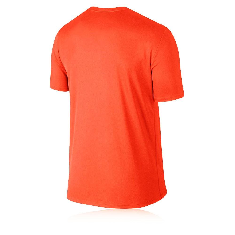 Nike legend run swoosh short sleeve t shirt for Nike short sleeve shirt