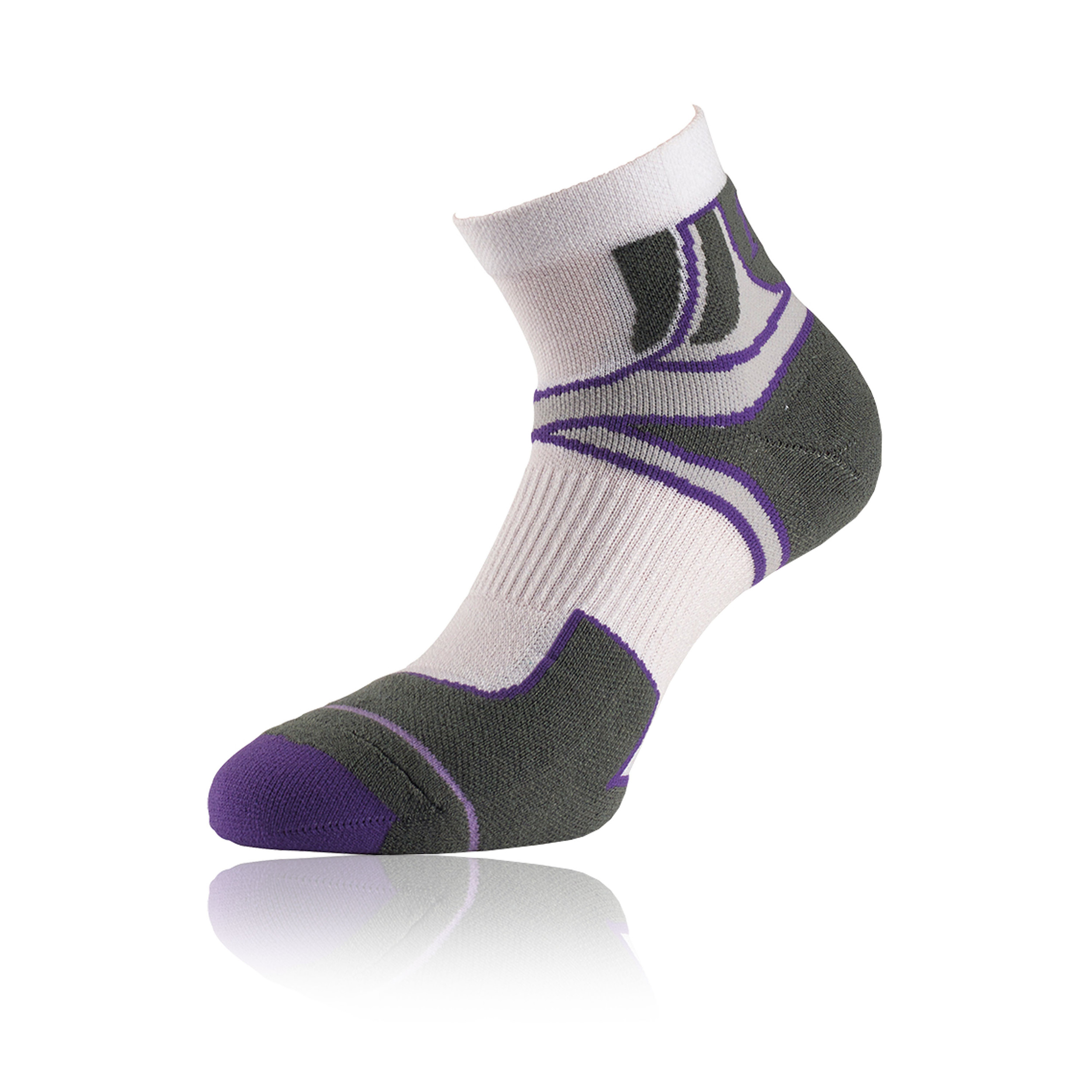 The compression socks have been designed and engineered by athletic trainers using seamless technology which ensures superior comfort and prevents any chafing or skin irritation, common with other compression socks.
